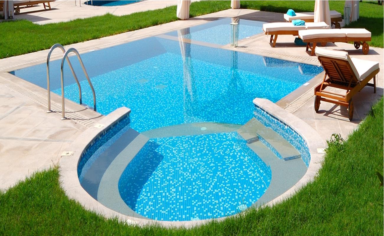 Sos limpeza e manuten o de piscinas reforma de piscina for Piscina para casa medidas